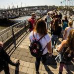 Auf den Landungsbrücken in Hamburg